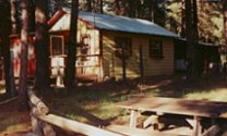 retreats: cabins, tree houses, vacation rentals near crater lake national park, train mountain, klamath basin birding trails, wetlands, national wildlife refuges, hiking trails nestled in the winema national forest, in the pacific flyway of southern oregon, northern california.
